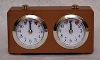 шахматные часы в деревянной коробке